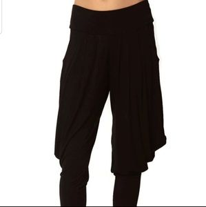 Pants - NEW S - XL Black Harem Capri Pants